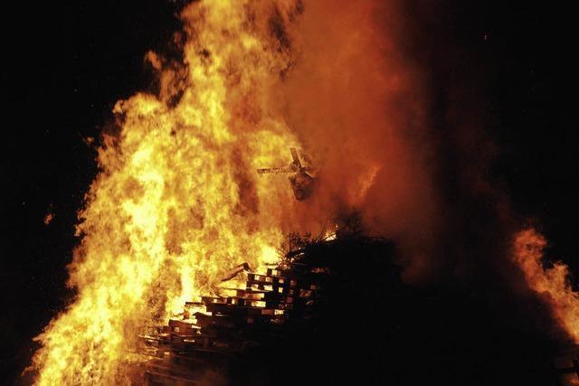 Feuer verzehrt die Fasnacht