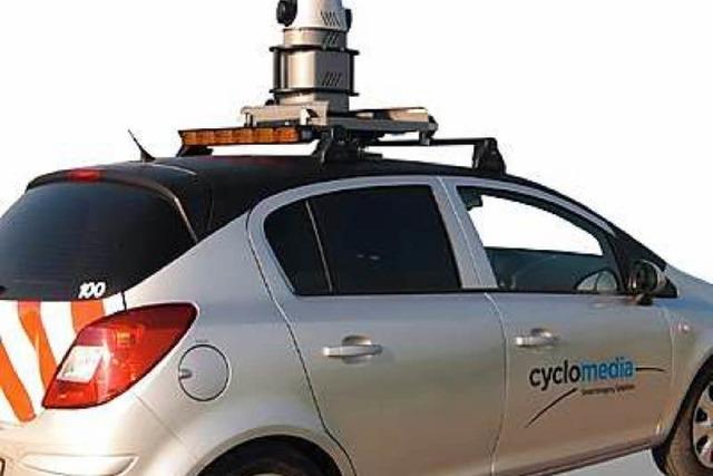 Auto mit Kamera auf dem Dach fotografiert Freiburg in 3D