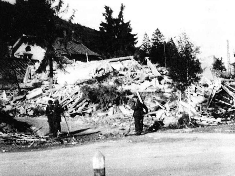 <ppp> und nach dem Fliegerangriff am 30. September 1944. </ppp>  | Foto: privat