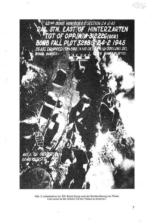 Luftaufnahme der Alliierten  vom Angri...raffiert) die Abwurfstelle am Bahnhof.  | Foto: privat