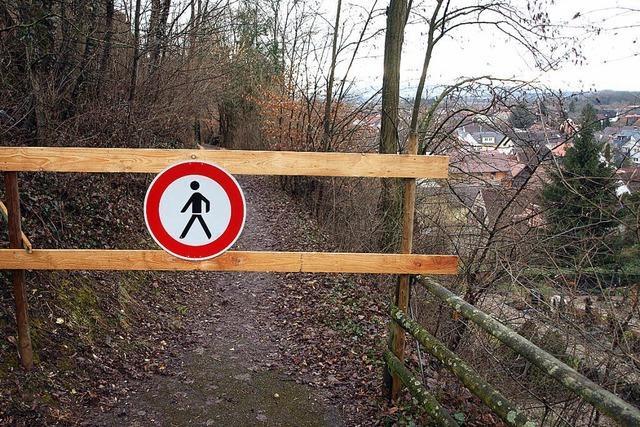 Fußweg bleibt gesperrt