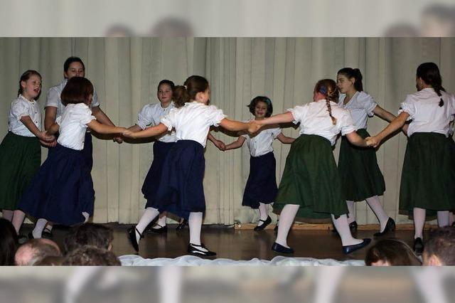 Die Trachtengruppe bietet für jedes Alter Bewegung und Spaß