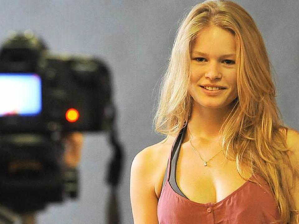 Anna Ewers bei einem Shooting in Freiburg 2011   | Foto: Michael Bamberger