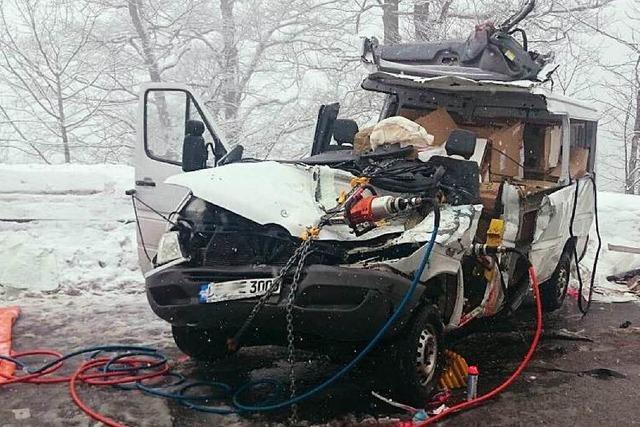Laster überholt bei Glätte auf dem Feldberg – 35-Jähriger stirbt