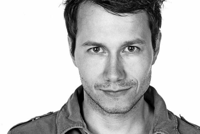 Berliner Nachwuchs-Kabarettist Marco Tsc hirpke im Nellie Nashorn