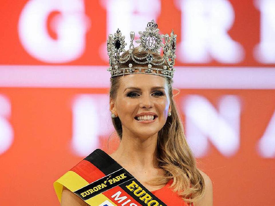 Die frisch gekürte Miss Germany 2015: Olga Hoffmann (23) aus Münster.  | Foto: dpa