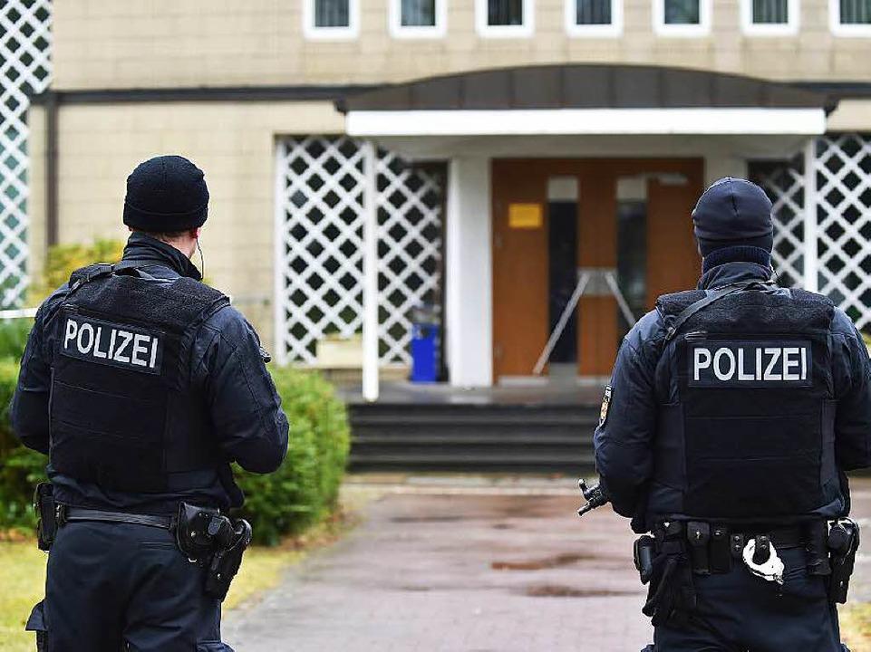 Die Polizeipräsenz in Bremen wurde wieder verringert.  | Foto: dpa