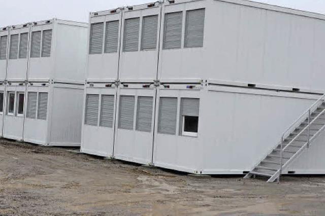 Die ersten Flüchtlinge ziehen in die Wohncontainer