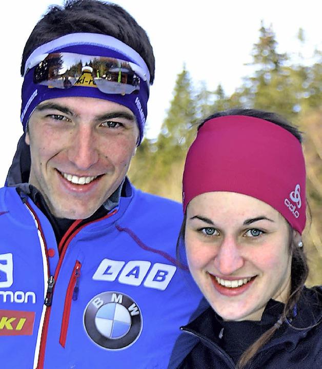 Die 24-jährige Linda Becker (rechts)  ...n die Schnellsten beim Rechberg-Pokal.  | Foto: Junkel