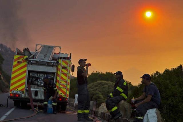 Brände um Kapstadt außer Kontrolle