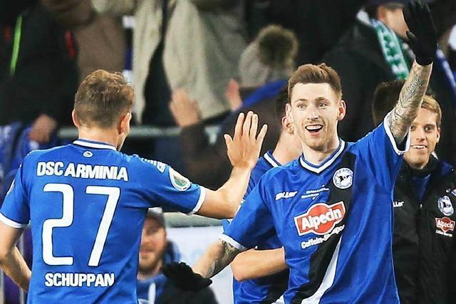 DFB-Pokal: Bielefeld, Bayern, Gladbach, Wolfsburg weiter