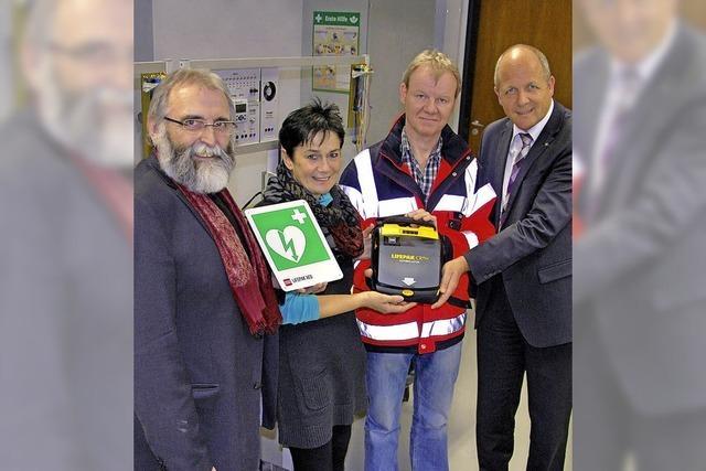 Defibrillatoren für Schulalltag