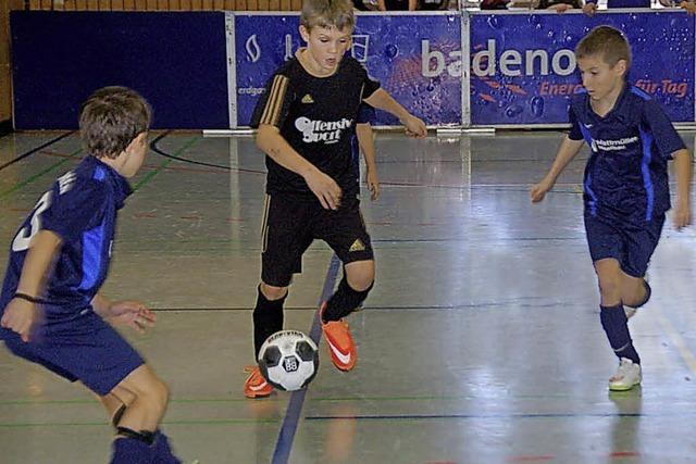 Junge Kicker testen sich