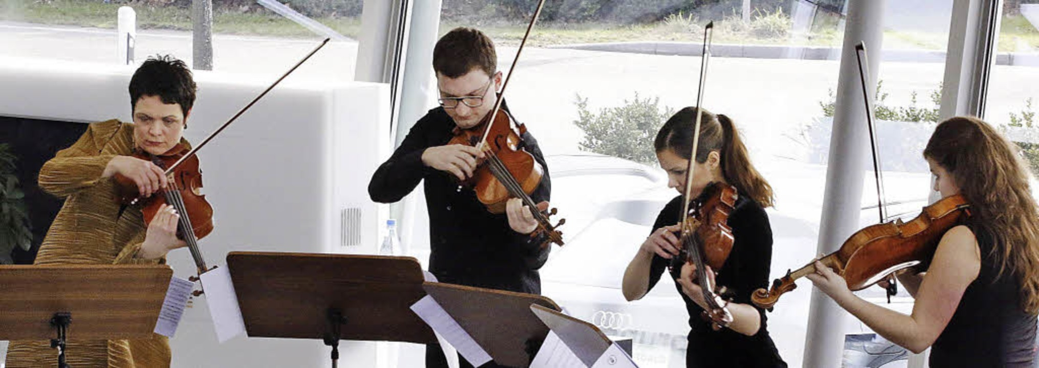 Als Konzertmeisterin am ersten Puls di...und Ausdrucksspektrum ihrer Schüler...  | Foto: Heidi Foessel