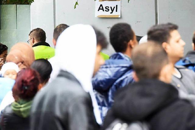 Land will den Helfern von Flüchtlingen helfen