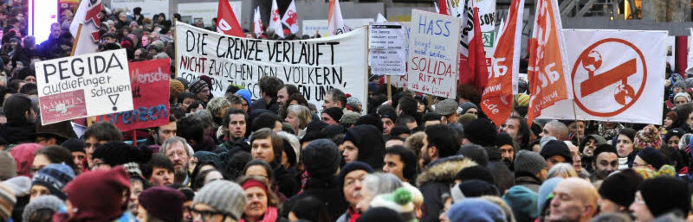 Bei der Kundgebung gegen die Pegida-Be...n auf der Straße – auch die JuZ.  | Foto: Archivfoto: Thomas Kunz