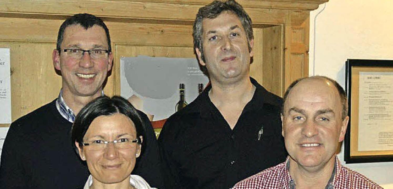 Als Beisitzerin wurde Alissa Zeien bes...hrer ist Christopher Bäuerle (hinten).  | Foto: N. Kriegl
