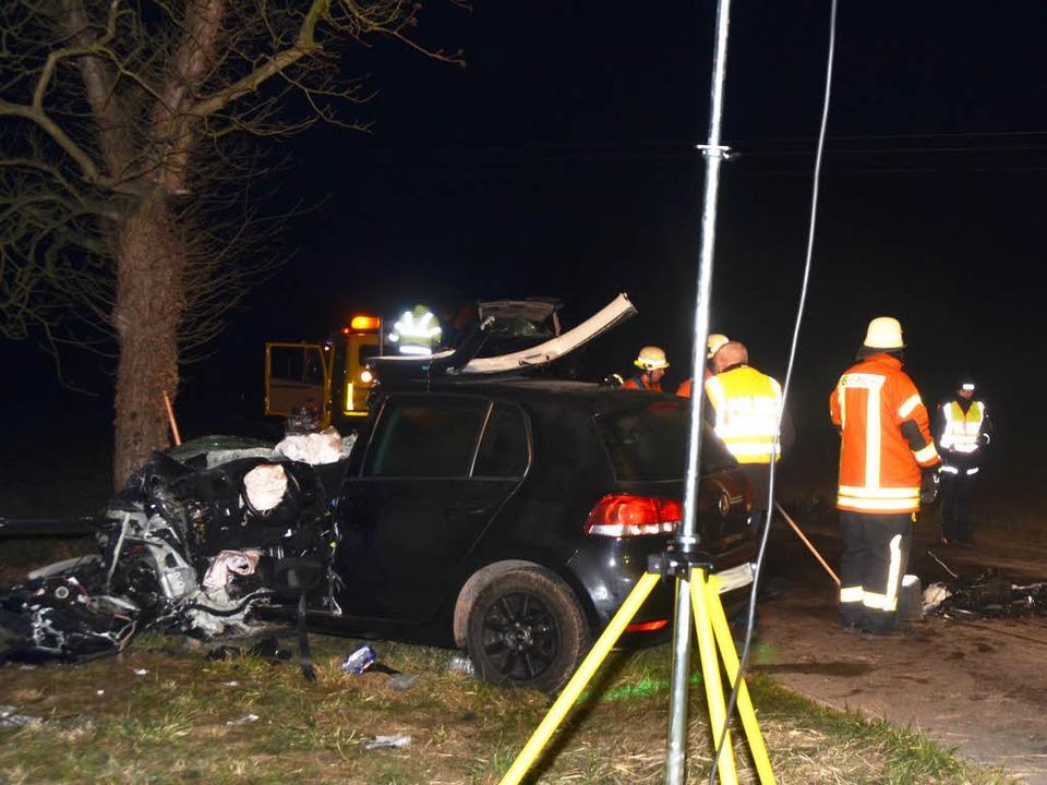 Bei Sasbach am Kaiserstuhl hat es einen schweren Unfall gegeben.    Foto: Roland Vitt