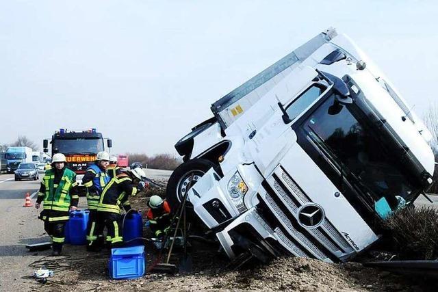 Umgekippter Laster bei Lahr – A5 ist wieder freigegeben