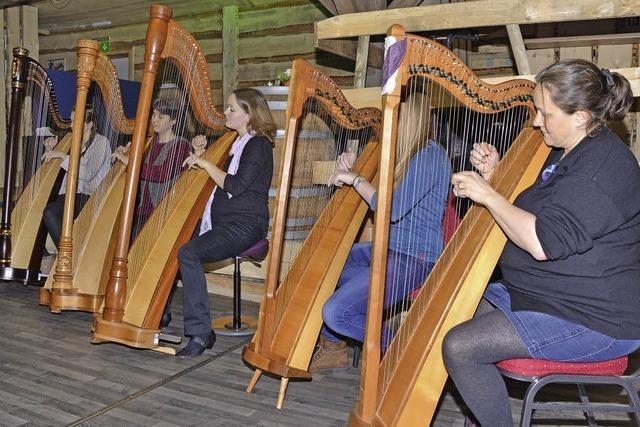 Harmonie mit fünf Harfen