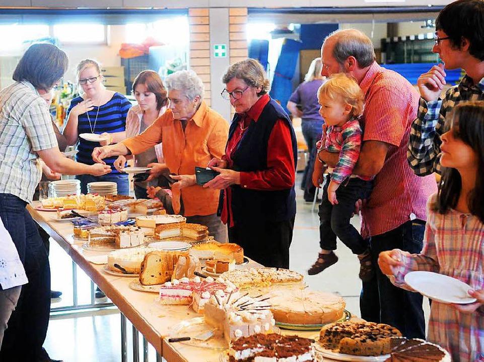 Kuchenbuffets sind bei Vereinsfesten b...ng ist aber vergleichsweise aufwendig.  | Foto: archivfoto: Wolfgang Künstle