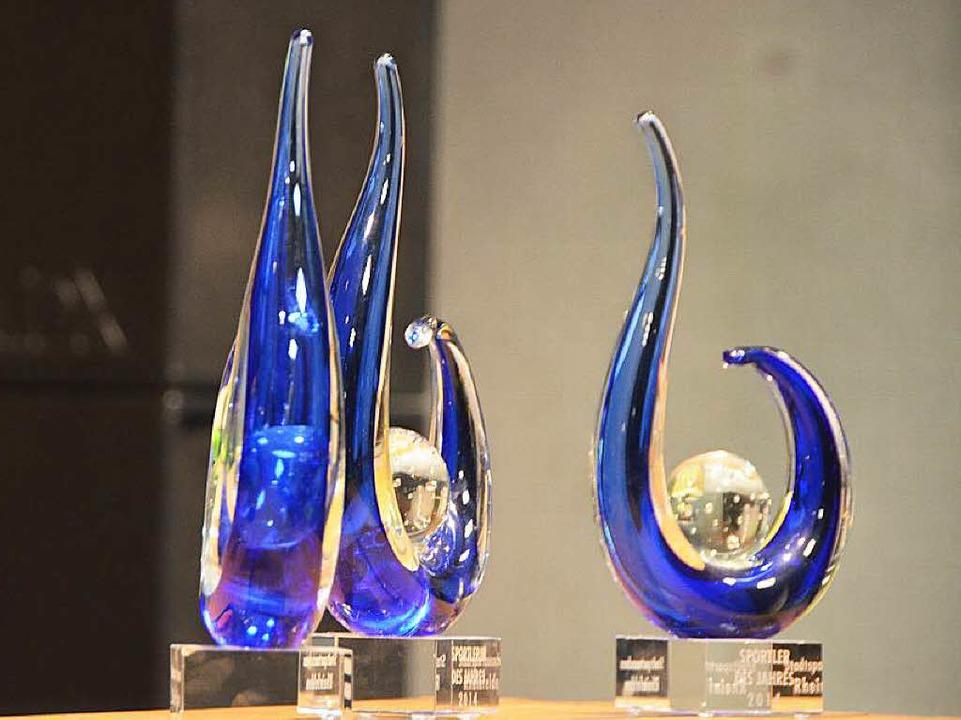 Die Trophäen schuf Glasbläser Wilfried Markus  | Foto: Peter Gerigk