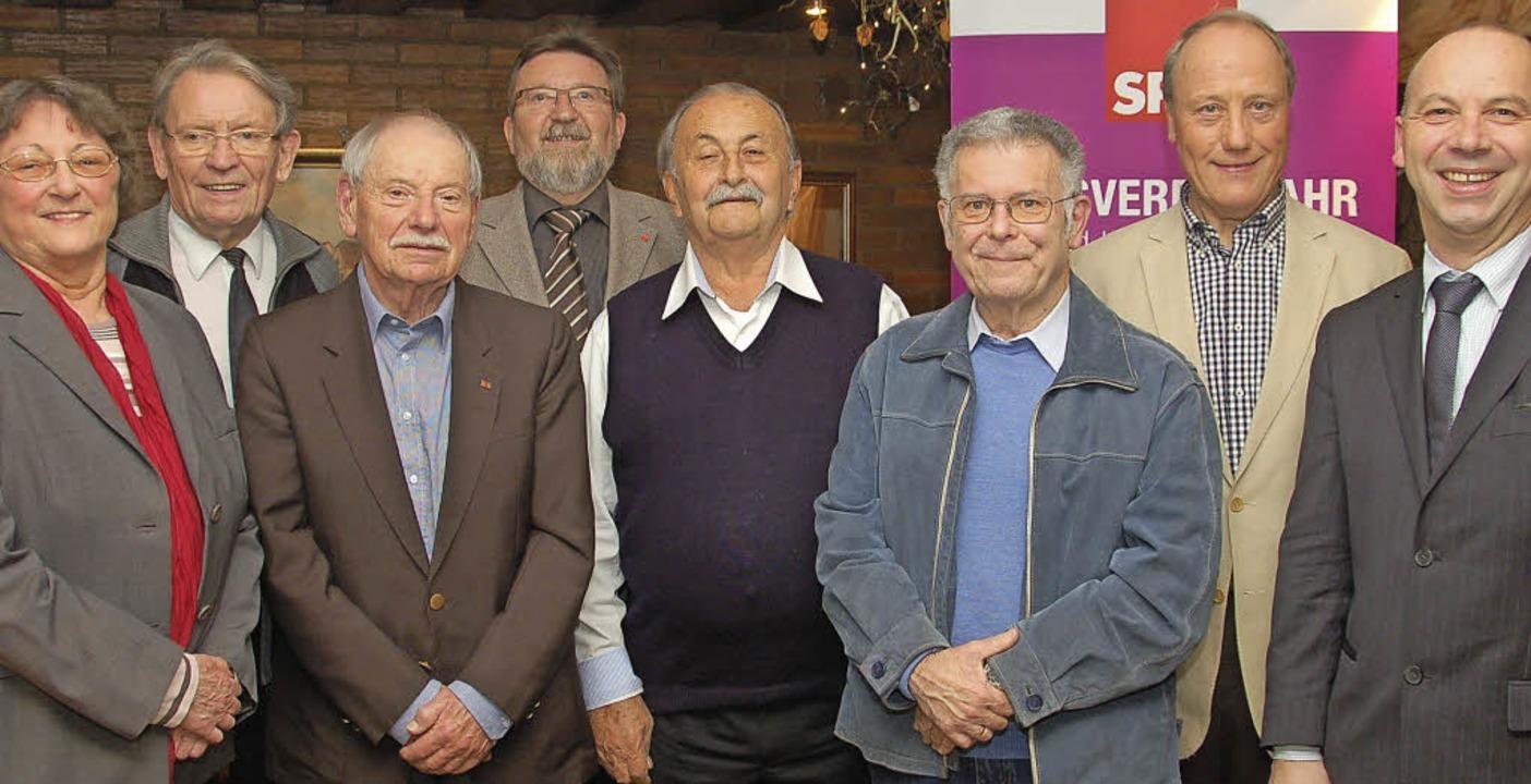 Würdigung für langjähriges SPD-Engagem... SPD-Ortsvereins Mark   Rinderspacher.    Foto: W.  BECK