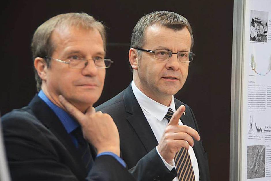Oberbürgermeister Klaus Eberhardt und Stadtammann Franco Mazzi begrüßen zur Vernissage. (Foto: Ralf H. Dorweiler)