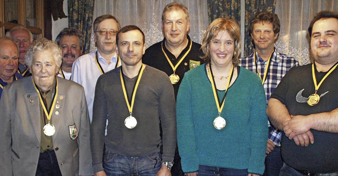 Der Schützenverein Wittenschwand verga... (von links, es fehlte Christoph Denz)  | Foto: Karin Stöckl-Steinebrunner