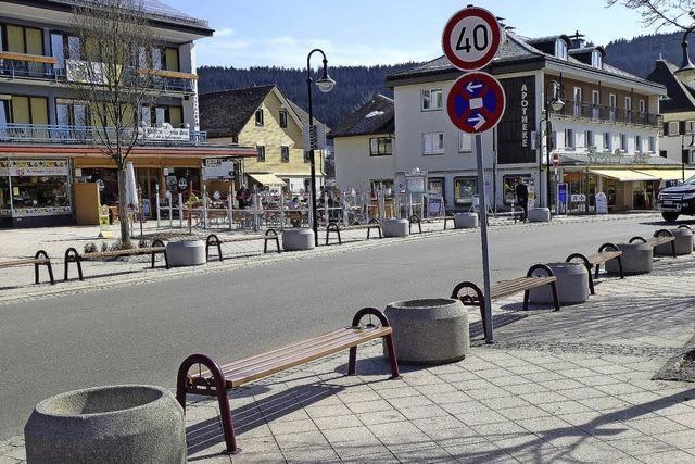 Bänke und Elefantenklos: Titiseer Ortsmitte ist gerüstet für Motorradfahrer