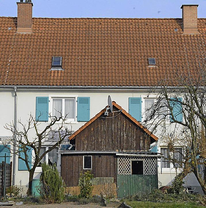 Typisch Gartenstadt: Hinter dem Haus g...e oft das fehlende Bad eingebaut wird.  | Foto: Hannes Lauber