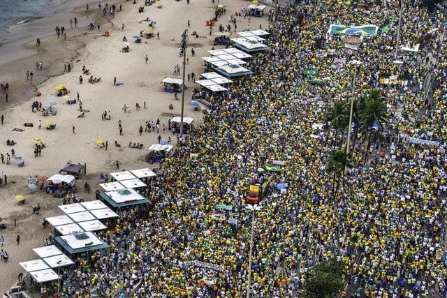 Massenprotest gegen Dilma Rousseff