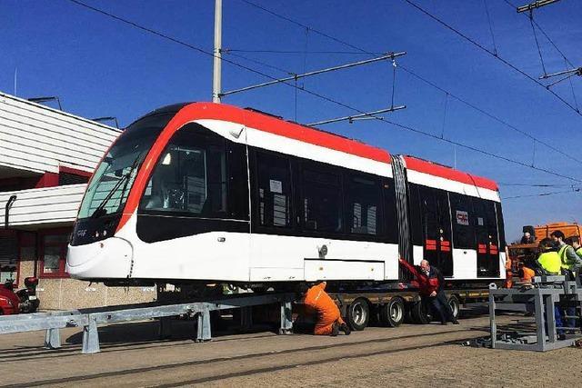 Freiburgs neue Straßenbahnen: Der Urbos ist da