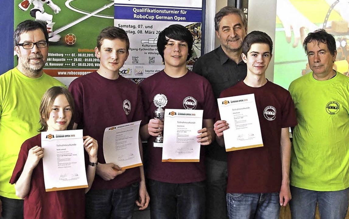 Das Team: Die Väter Michael Rienks (li...ssler, Daniel Achim und Kilian Kempf.   | Foto: Schule