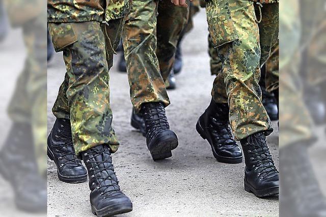 Mehr Geld für Soldaten und Terrorabwehr