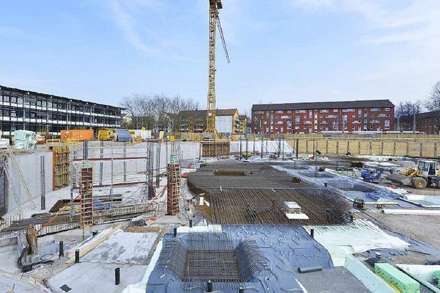Neues Rathaus in Freiburg: Grundstein im Stühlinger gelegt