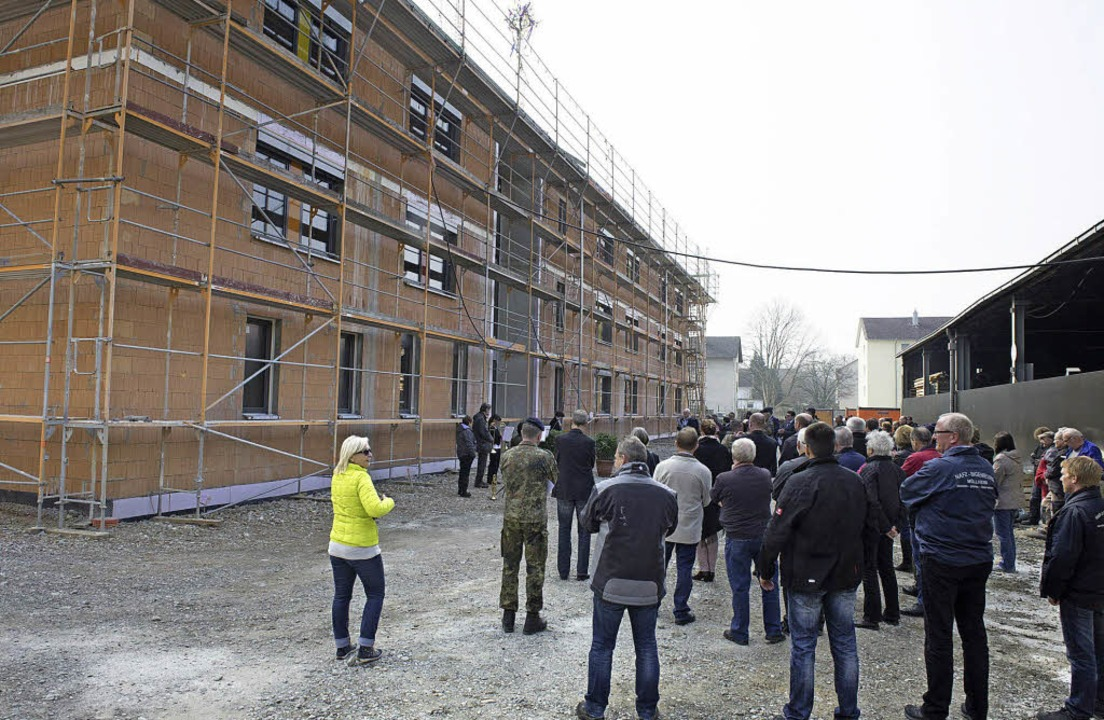 Richtfest wurde an einem weiteren Unte... der Robert-Schuman-Kaserne gefeiert.     Foto: v. münch