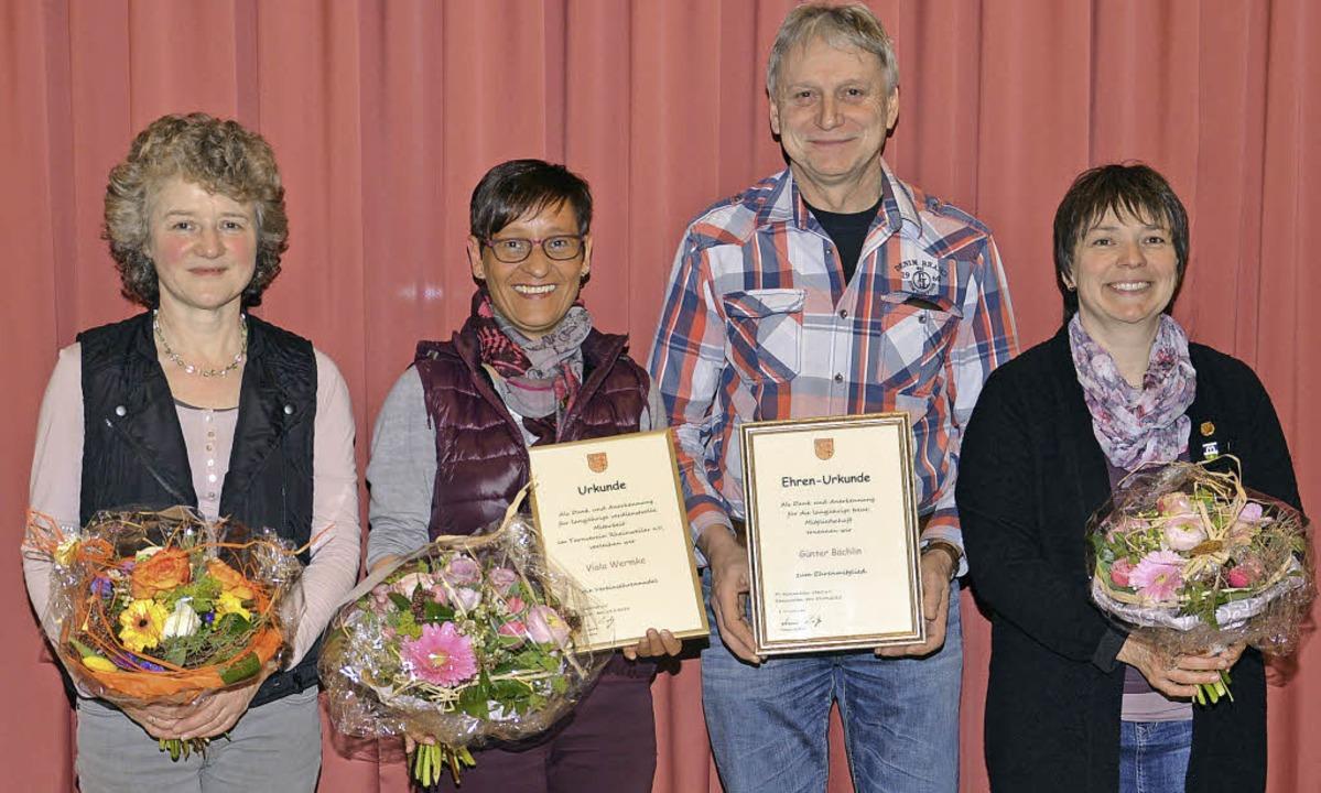 Geehrte des TV Rheinweiler (von links)...nter Bächlin und  Sigrid Hugenschmidt     Foto: privat