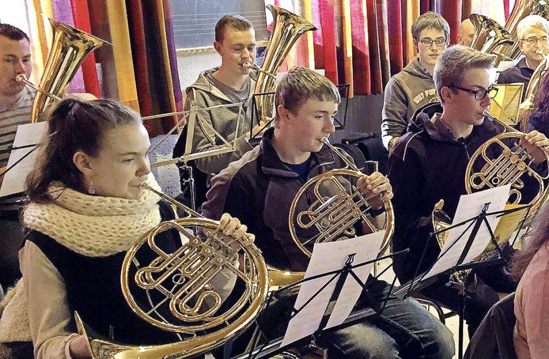 Der Musikverein Urberg hat sich unter ...n Jahreskonzert am Samstag vorbereitet  | Foto: verein