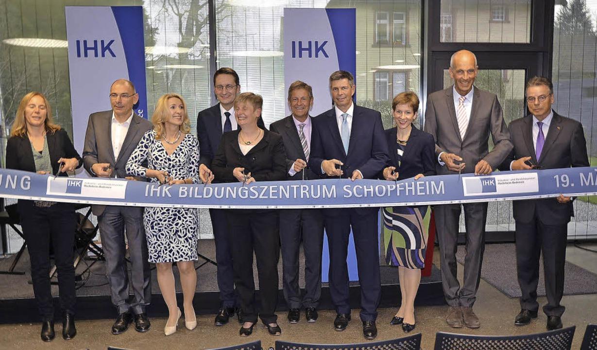 Die symbolische Eröffnung des neuen Bildungszentrums     Foto: Michael Reich