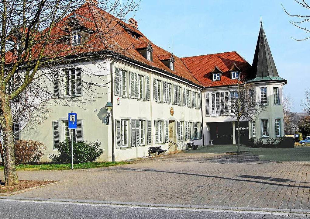 Wer zieht als neuer Chef oder Chefin ins Vogtsburger Rathaus ein?    Foto: Herbert Trogus