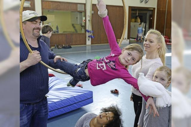Daniel Brauer und Jenny Zinnecker bieten Zirkusprojekte für Kinder an