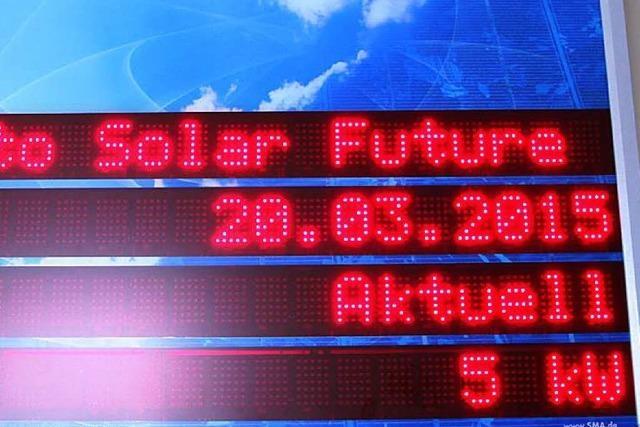 50 SoFi-Fans bei der Sternwarte