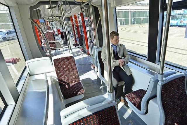 Neue Urbos-Straßenbahnen: Außen schnittig, innen hell