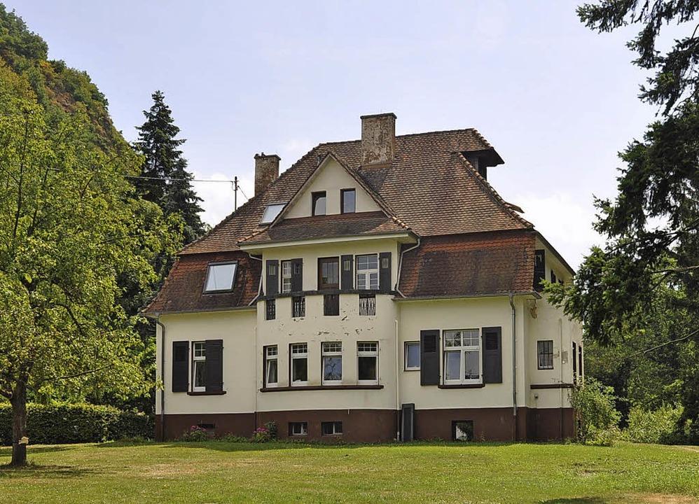 Thema in der Bürgerversammlung war auch die Villa Dornröschen.  | Foto: Rainer Ruther