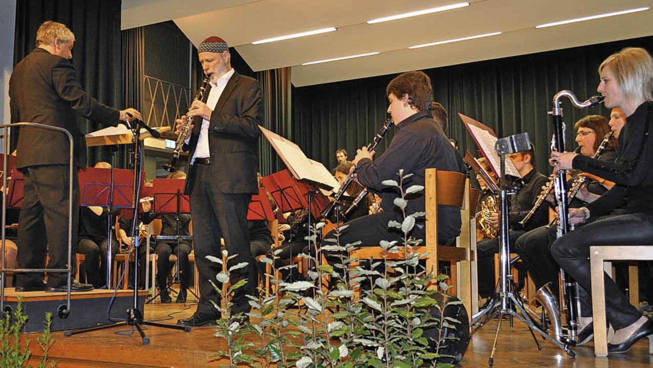 Klarinettensolo von Michael Heitzler b...Konzert mit der Musikkapelle Kollnau.   | Foto: Andrea Kurz