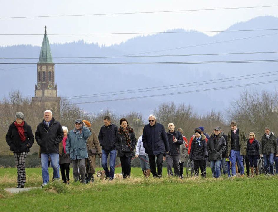 Vor der Kulisse von Georgskirche und S...hlattwegs als eigenständigen Weg ein.     Foto: Uto R. Bonde