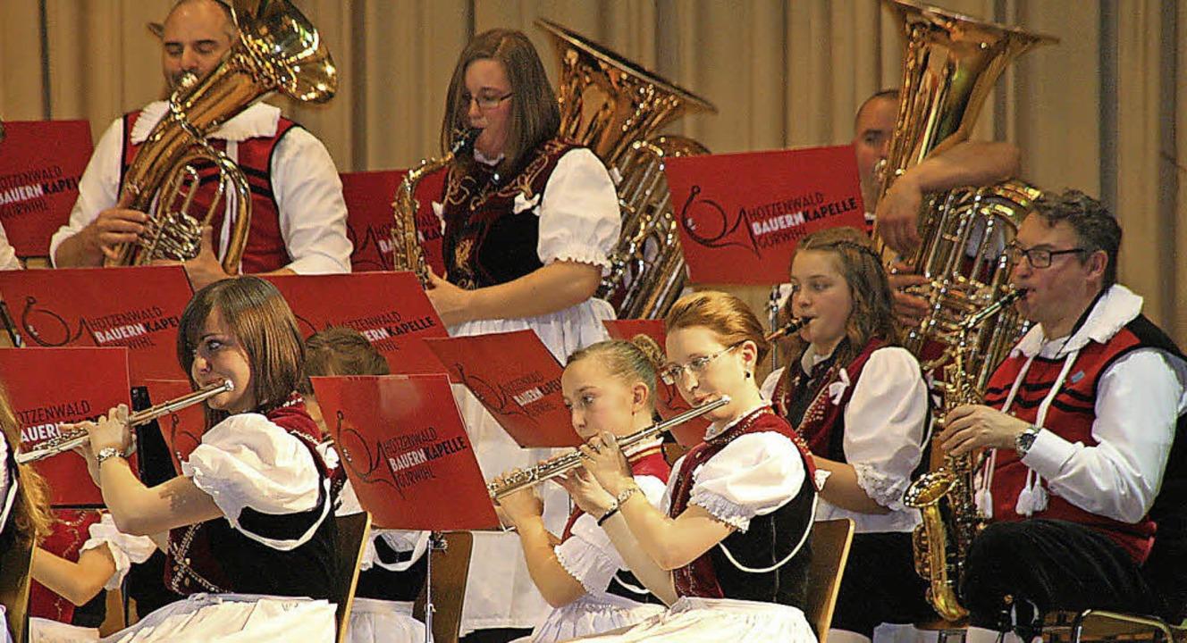 In bester Spiellaune: Die Hotzenwald-B...ert am Samstag in der Hotzenwaldhalle.  | Foto: peter schütz