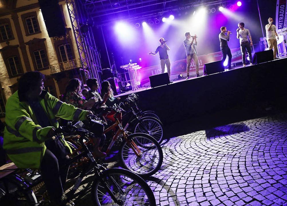 Vergangenes Jahr strampelten während d...t von High Five auf dem Rathausplatz.   | Foto: Breithaupt