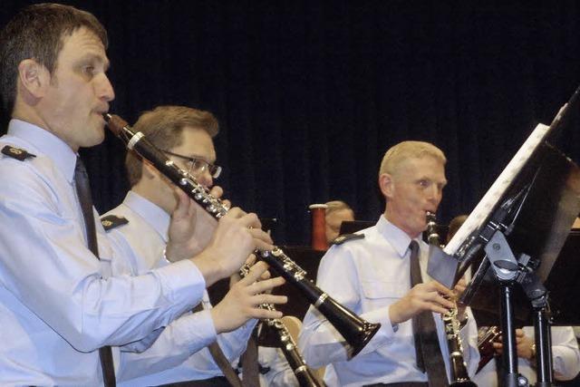 Musikinstrumente statt Handschellen